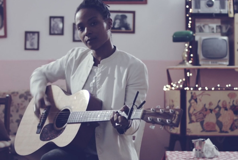 SARAH CARLIER – Chorus Man